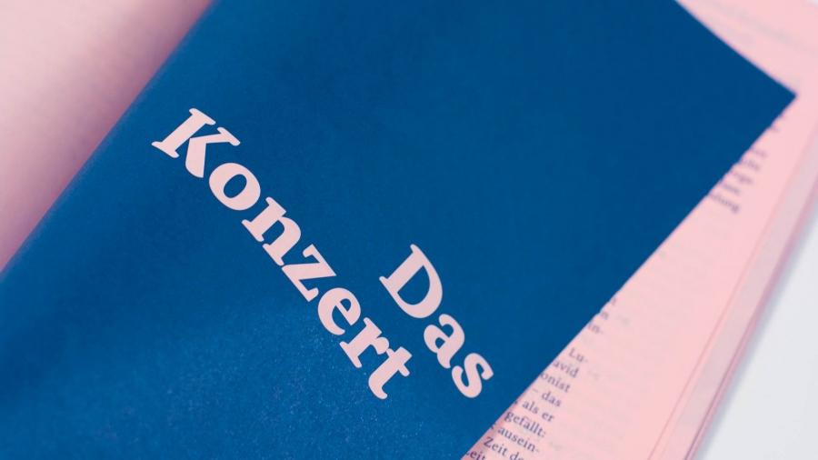l'équipe [visuelle] – Grafik Agentur Emmenbruecke Luzern – Jubiläumsschrift für die Kantonsschule Alpenquai in Luzern in 4 verschiedenen Farben auf vier verschiedenfarbige Papiere gedruckt